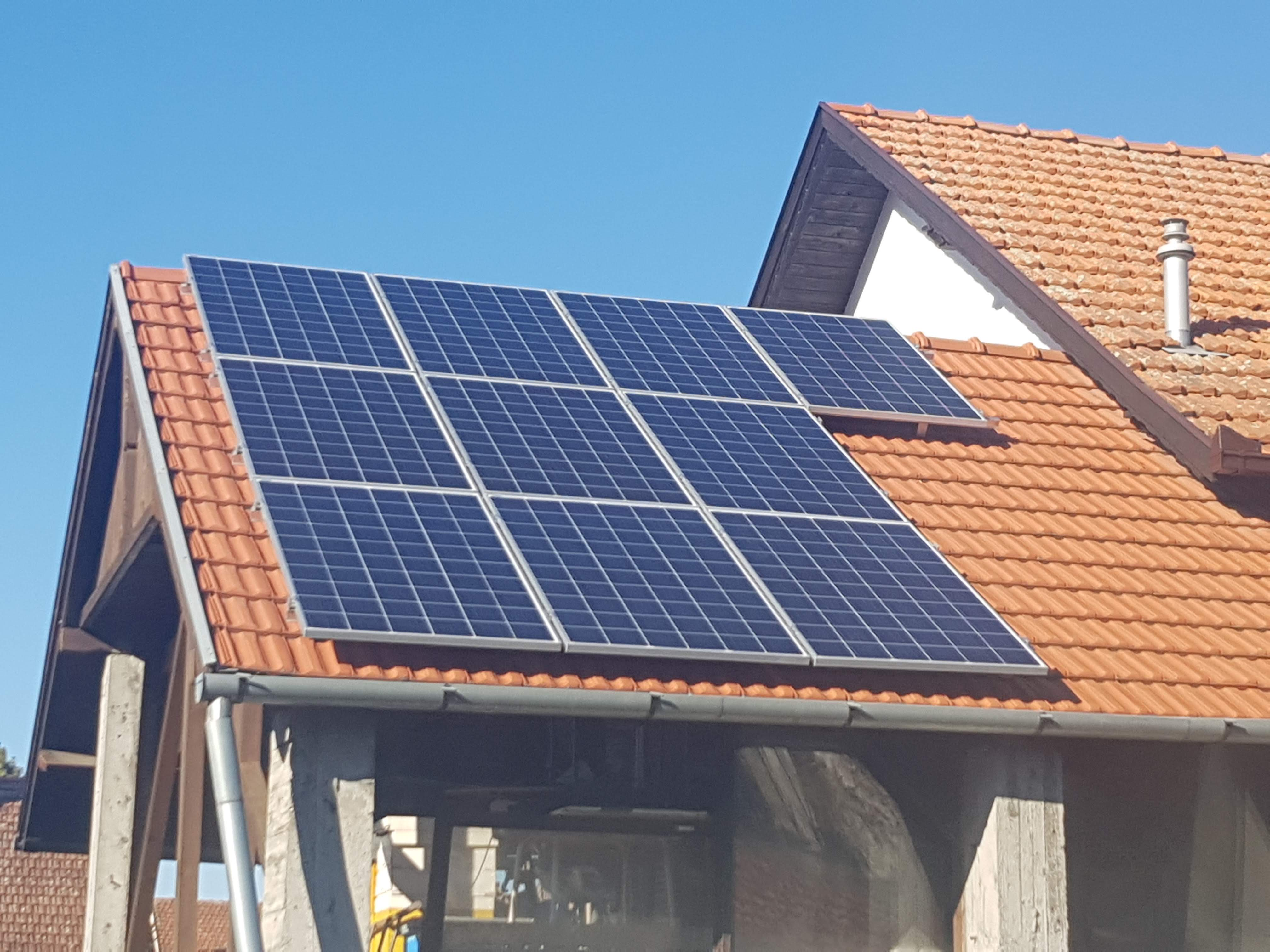Solarni mrežni sistem-2.7 KWp