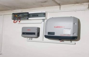Solarni mrežni sistem sa preusmeravanjem viška energije ka bojleru-5 Kwp-Obrež